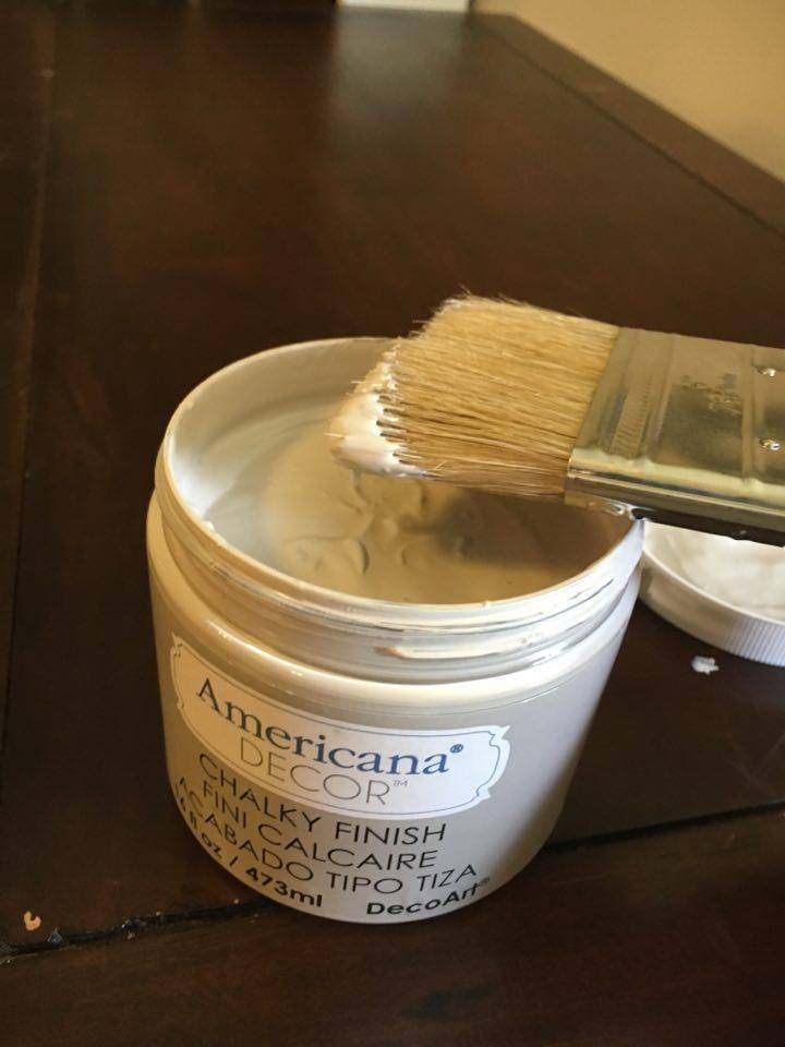 DecoArt Chalky Finish Paint in Primative